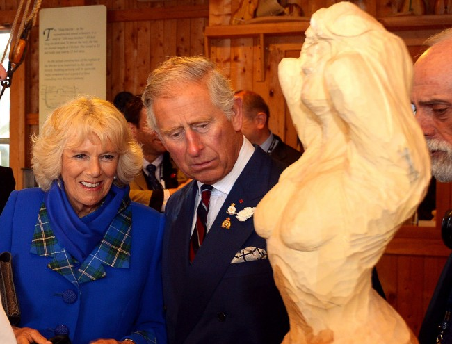 PA 19873880 Princes Charles And Camilla Meet The Topless Stunna In Canada