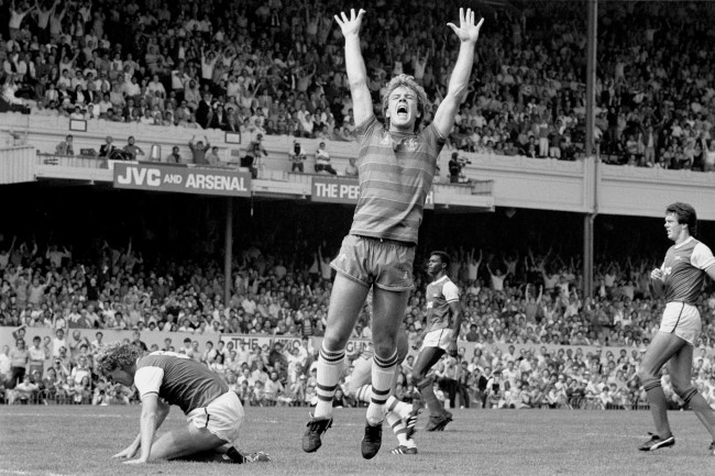 anon League Division One - Arsenal v Chelsea - Highbury Chelsea's Kerry Dixon celebrates scoring his team's goal in their 1-1 draw Date: 25/08/1984