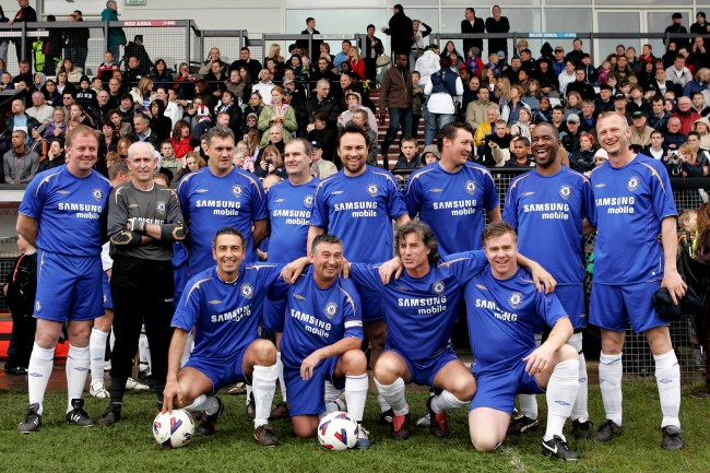 "Chelsea Old Boys team group (Back Row L-R) Kerry Dixon, Peter Bonetti, Trevor Aylott, Steve ""Jock"" Finnieston, Jason Cundy, David Lee, Paul Canoville and Paul Williams (Bottom Row L-R) Peter Rhoades Brown, Ian Britton, Garry Stanley and Gareth Hall Date: 21/05/2006"