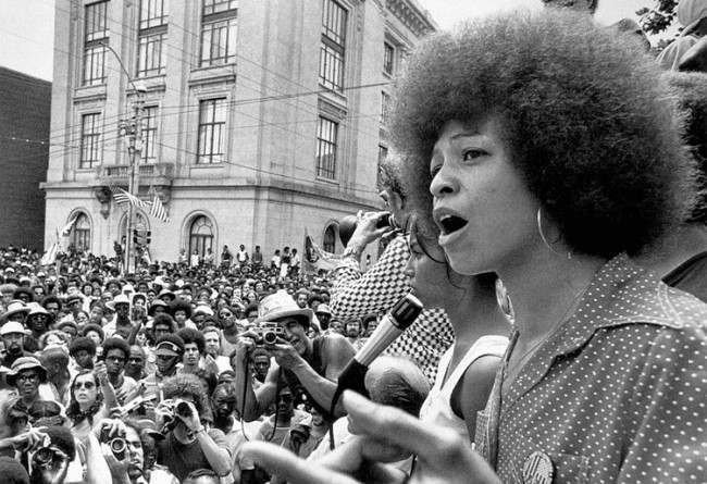 afro 4 The Top 10 Greatest Afros of Yesteryear