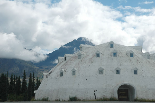 igloo alaska