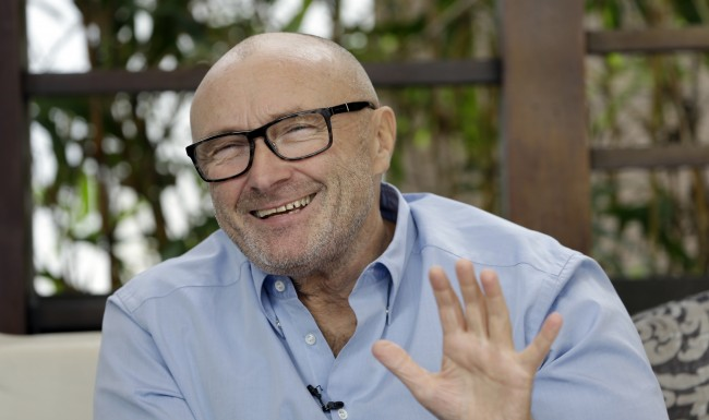 PA 18383428 Phil Collins Donates his Alamo Collection to Texas