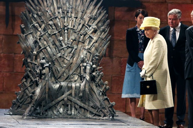 PA 20206403 1 Game Of Thrones Photos: Cersei Lannister Gives The Queen The Death Stare Of Sardony