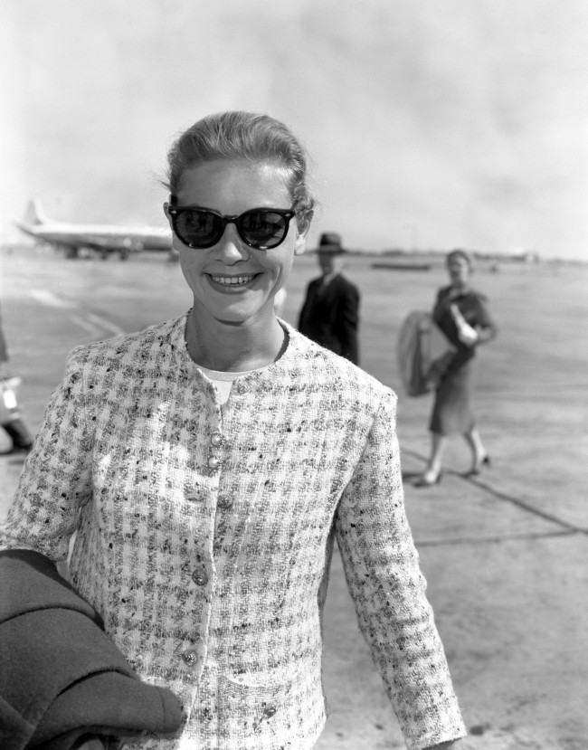 Film star Lauren Bacall arrives at London Airport from Paris to complete the filming of her latest movie. Date: 17/06/1959