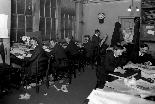 The Daily Mail newspaper in operation in room 55 at Carmelite House, Fleet Street. Ref #: PA.5576966  Date: 01/01/1913
