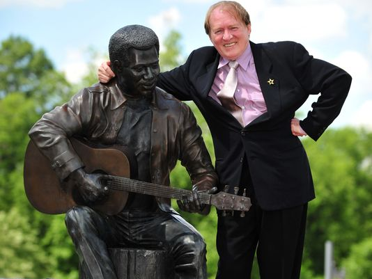 otis redding statue Hit or Bust: A Look At Pop Stars Immortalised In Statues