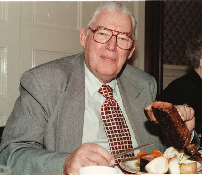 Dr Ian Paisley supporting the beef producers in Northern Ireland by eating a sirloin steak at the 25th anniversary dinner of the DUP Bannside branch, at the Causeway Hotel, Bushmills. Ref #: PA.1022099  Date: 28/03/1996