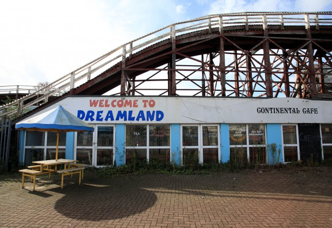 PA 14720713 Living In Dreamland: A Look Around Britians Oldest Surviving Rollercoster And Theme Park In Margate
