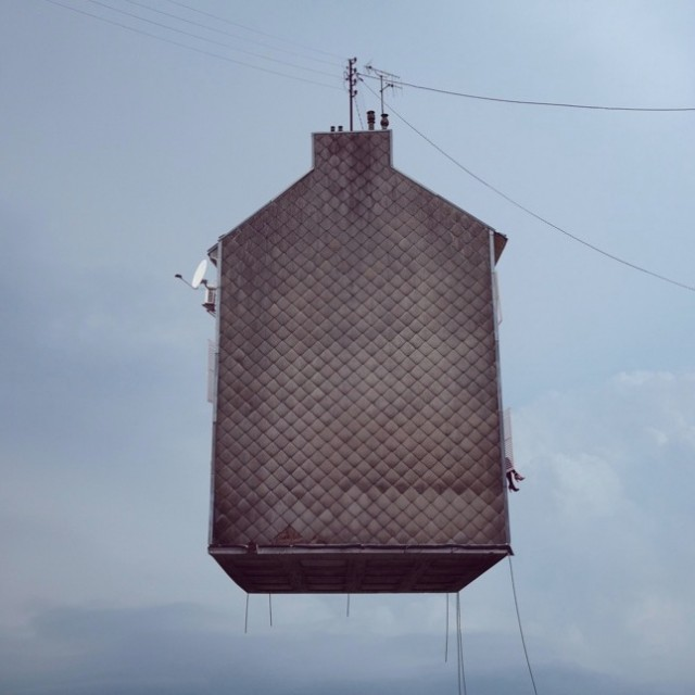 Flying-Houses1