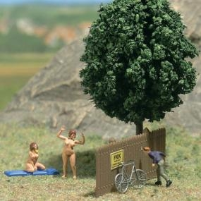 peeping-tom buffers, model railway, naked models,