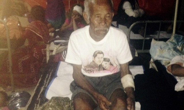 nepal rescue old man