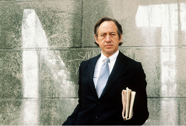 American writer Alvin Toffler poses during portrait session held on July 3, 1980 in Paris, France.