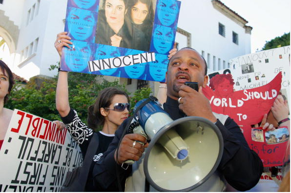 Najh Ali speaks to some forty Michael Jackson fans who converged on the Santa Barbara Courthouse to show their support for Jackson January 15, 2004 in Santa Barbara, California.