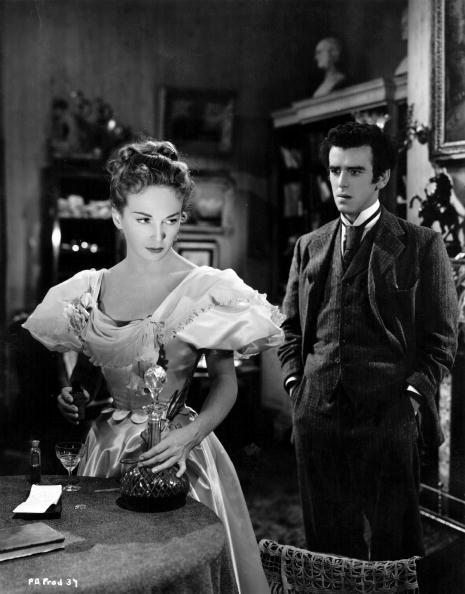 1951:  Joan Greenwood (1921 - 1987) and George Cole share a scene in the film 'Flesh And Blood', directed by Anthony Kimmins for British Lion.  (Photo by Hulton Archive/Getty Images)