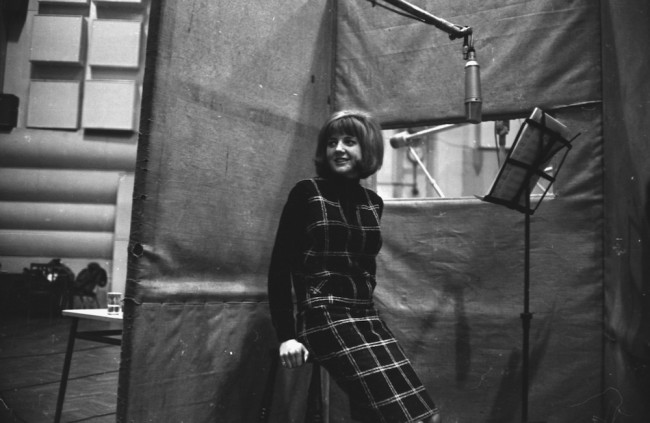 Pop singer Cilla Black in a recording studio, January 10th 1964. (Photo by M. McKeown/Express/Getty Images)