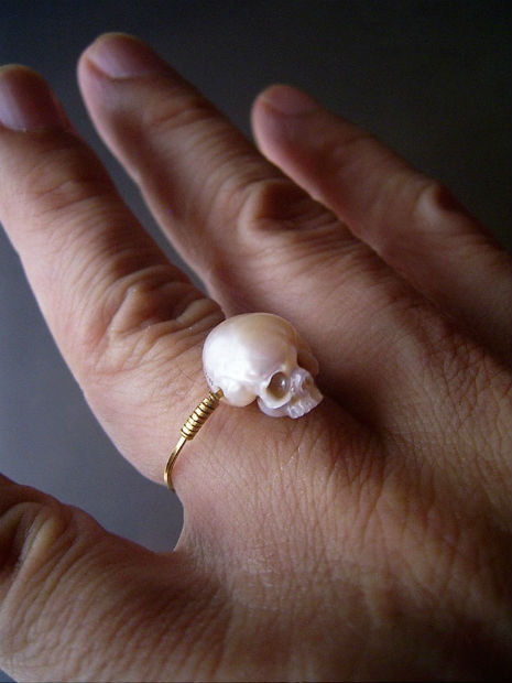 pearl skulls 3