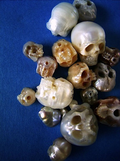 pearl skulls 4