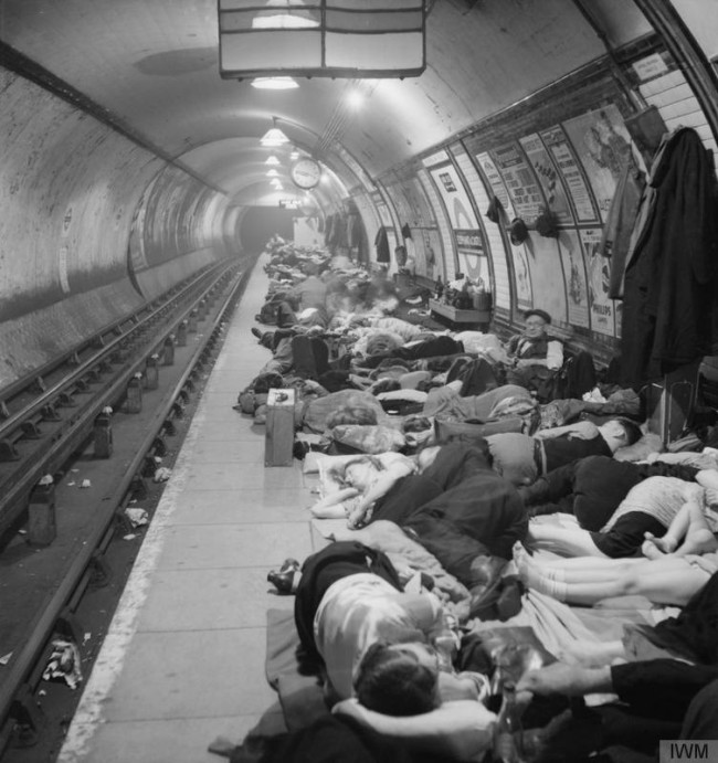 Elephant-and-Castle-London-Underground-Station-Shelter-Bill-Brandt-asleep1