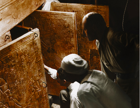 https://flashbak.com/color-photos-of-the-1922-discovery-of-tutankhamuns-tomb-45007/