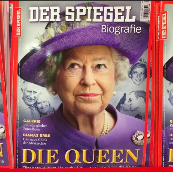 Anorak news die queen der spiegel writes awkward headline for Spiegel magazi