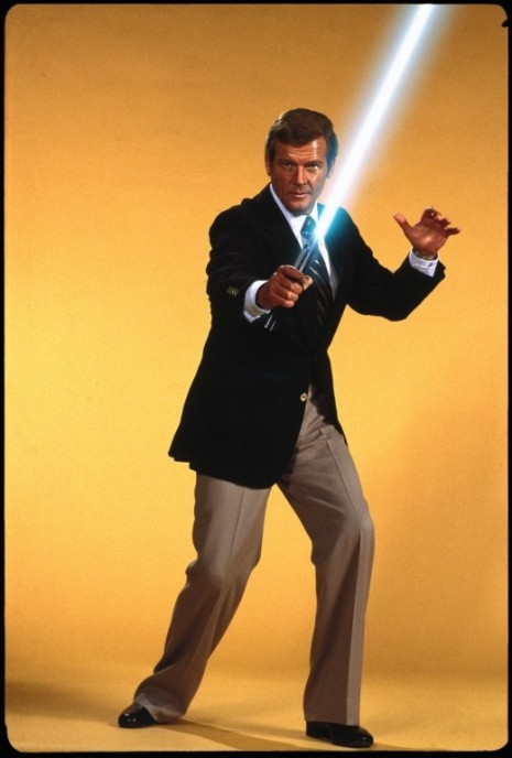 James-Bond Roger Moore light sabre