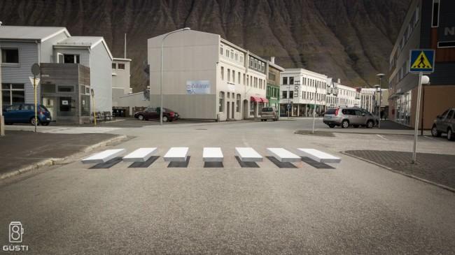 Ísafjörður, Iceland, crossingzebra