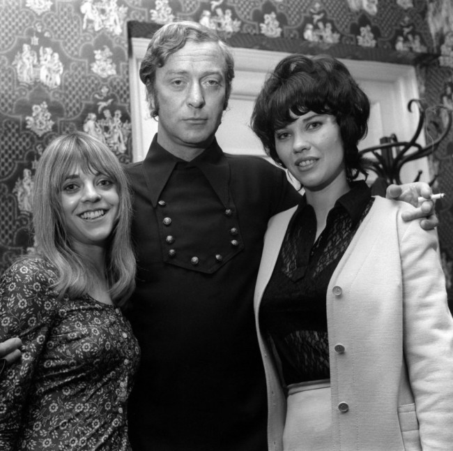 Petra Markham, Michael Caine and Dorothy White on the set of Get Carter