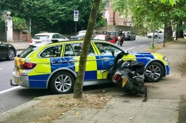 moped thieves police ramming