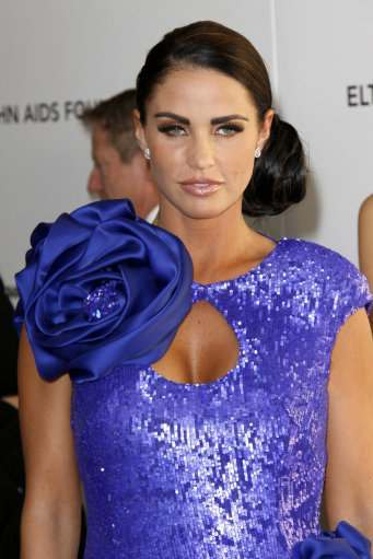 8485374 Katie Price And Victoria Beckham Go For The Golden Balls At Elton Johns Oscars Do
