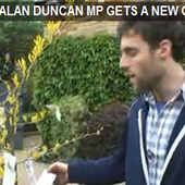 alan-duncan-money-tree
