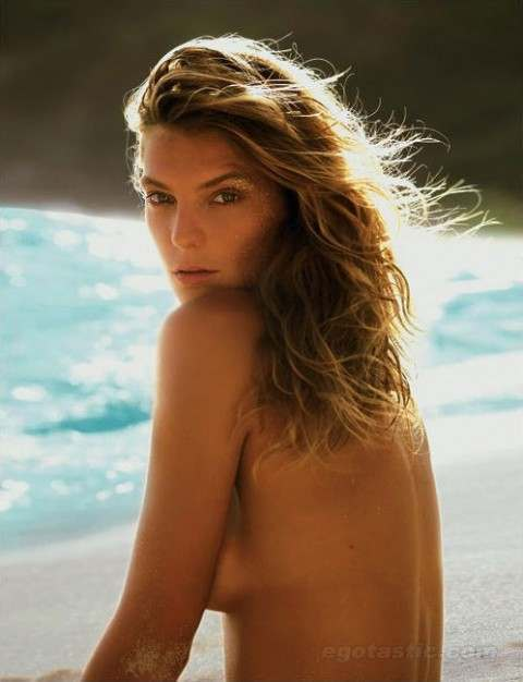 Daria Werbowy Topless For Madame Figaro Magazine – Stylebity