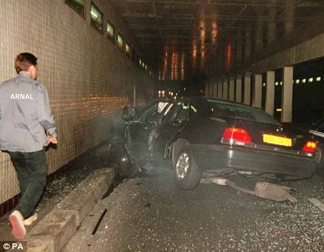 princess diana car crash images. the dying Princess Diana?