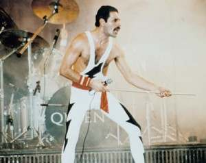 freddie mercury queen photograph c12147741 300x238 Bismillah No! 10 reasons to hate Queen