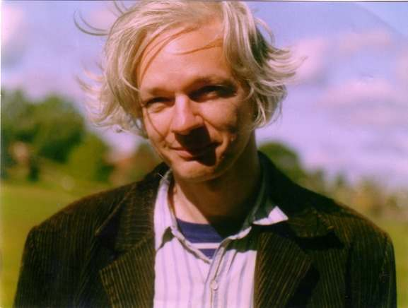iq2 Wikileaks: Fame Hungry Julian Assange Steals Credit for CRU ClimateGate?