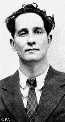 ronnie-biggs-young