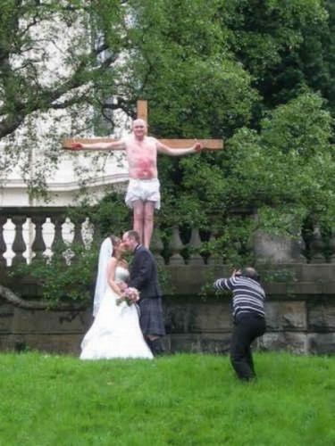 awkward-wedding-photos-44