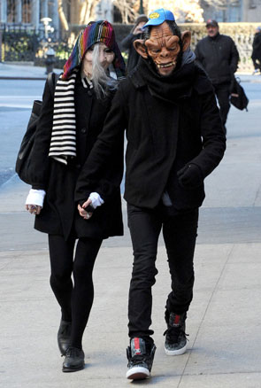 celebrity-disguises-ashlee-simpson-and-pete-wentz