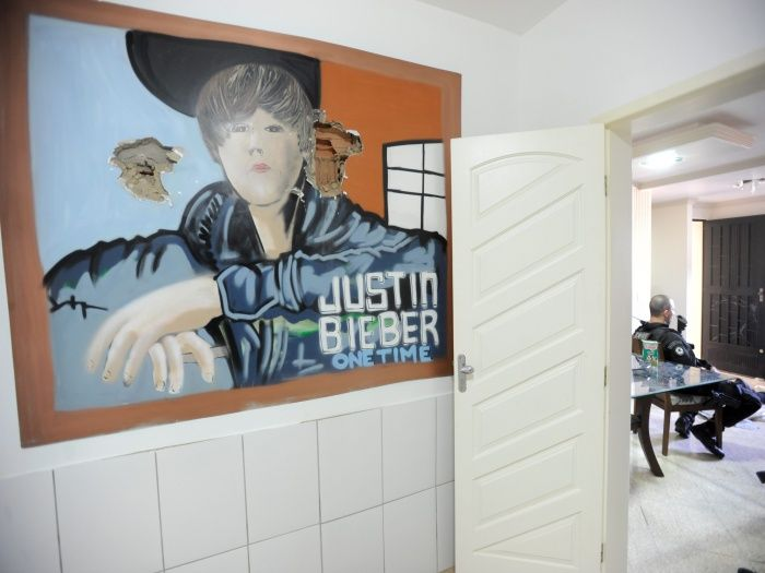 drugs-king-rio-bieber-mural
