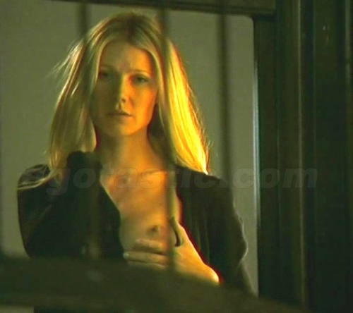 gwyneth-paltrow-nipple-two-lovers-03