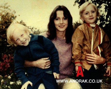 sheila-with-her-children-daniel-and-nicholas