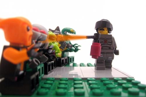 peper-spray-davis-lego