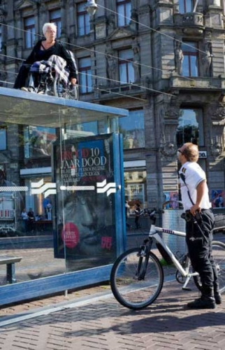 wheelchair-bus-shelter