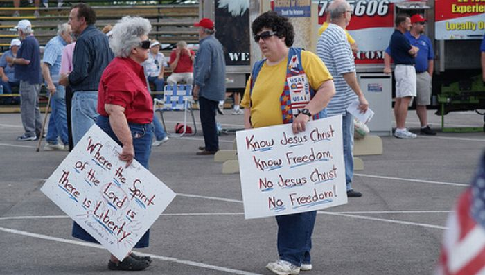 Anorak News | In Pictures: The Tea Party Protest Bigots ...