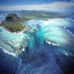 Amazing places: Underwater Waterfall in Mauritius