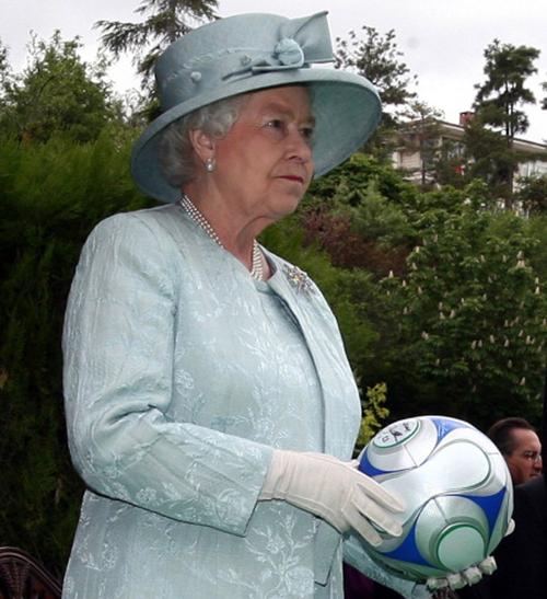 Anorak News Queen Football