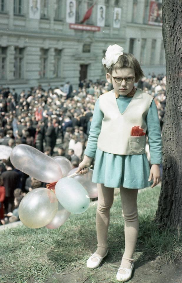 Lviv schoolgirl 1968