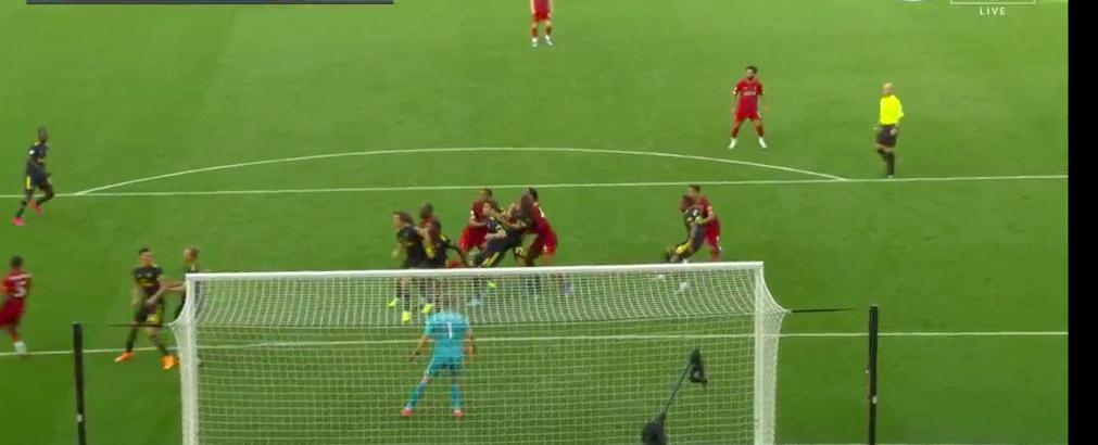Arsenal liverpool Mattéo Guendouzi foul